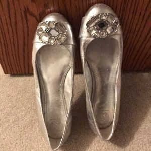 Vince Camuto silver flats with rhinestones